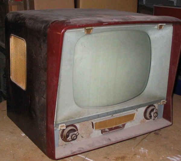 adaptation d 39 un t l viseur n b en moniteur tv. Black Bedroom Furniture Sets. Home Design Ideas